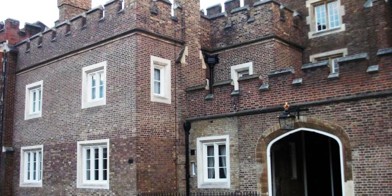 london-tour-guide-st-james-palace-2